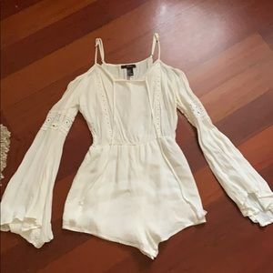 White romper with long sleeve